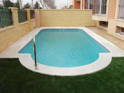 Los 10 mandamientos del cuidado de la piscina pintada for Cuidado de piscinas