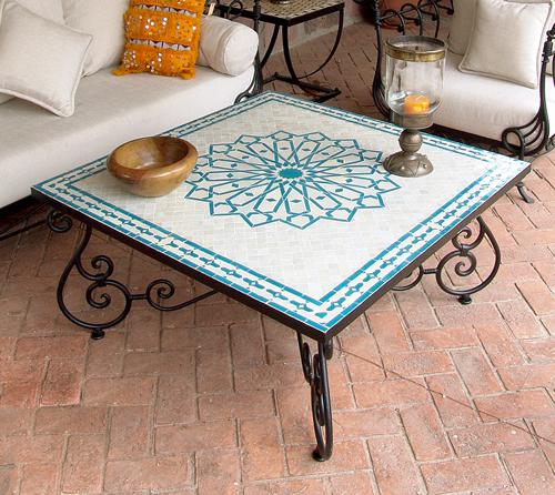 Con mosaicos hacer una mesa - Mesas con azulejos ...