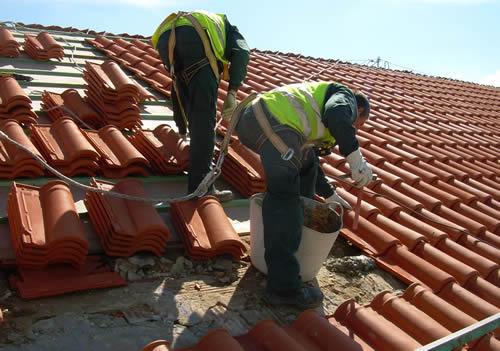 arreglar tejados Elegir los materiales adecuados para el tejado