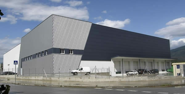 Construcciones industriales celonesa constructora sl for Construcciones industriales