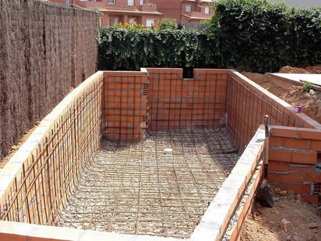 Worldfer construcci n piscina construcciones de piscinas for Materiales para construir una piscina
