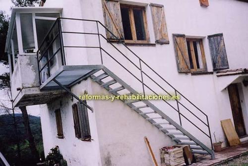 Escaleras met licas ferromax trabajos de herrer a ferromax for Fotos de escaleras de herreria