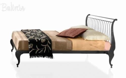 Cama realizada en forja muebles de forja beltr n for Muebles y decoracion beltran