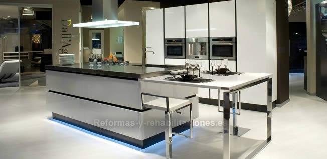Venta cocinas de lujo natur styl exposici n mobiliario for Venta de cocinas