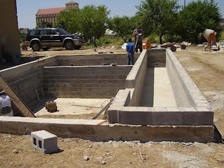 Construcciones de biopiscinas por madrid piscinas quarta for Biopiscinas construccion