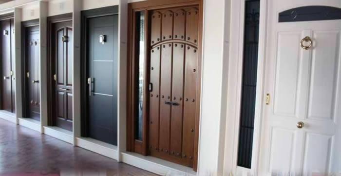 En mijas puertas de madera maderas gamez for Puertas de madera malaga