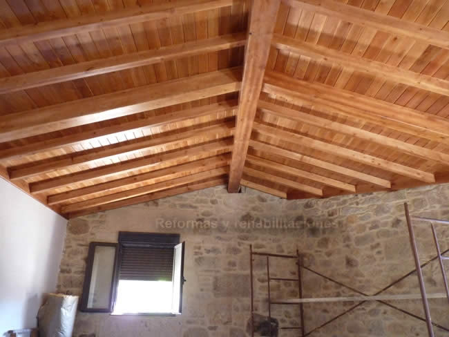 Tejados de madera maderas en lal n y tejados de madera for Tejados de madera barcelona