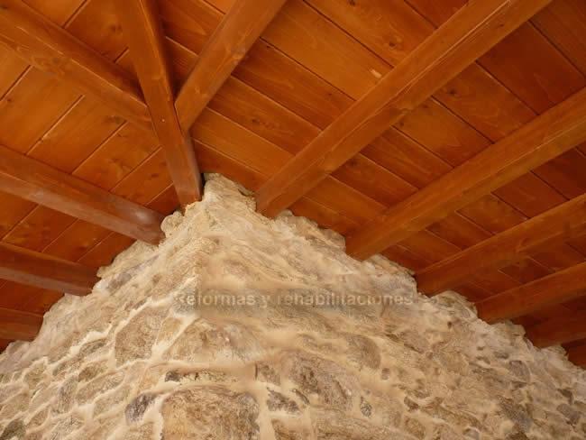 Venta de madera para porches maderas en lal n y tejados for Tejados de madera para exterior