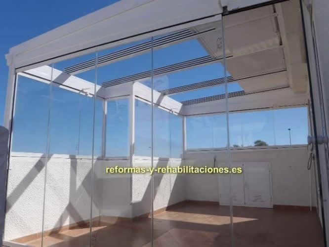 Cerramientos con techos m viles vitrolux - Tejados para terrazas ...