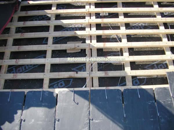 Instalaci n de tejas tejados de pizarra cubiertas lamas - Tejados y cubiertas ...
