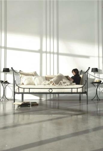 Sill n con dise o en forja camas de forja jayso for Sillon cama valencia