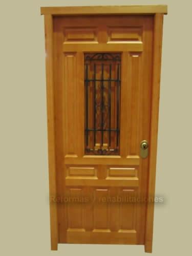 Fotos y diseos de puertas puertas de madera para entrada for Imagenes de puertas de madera
